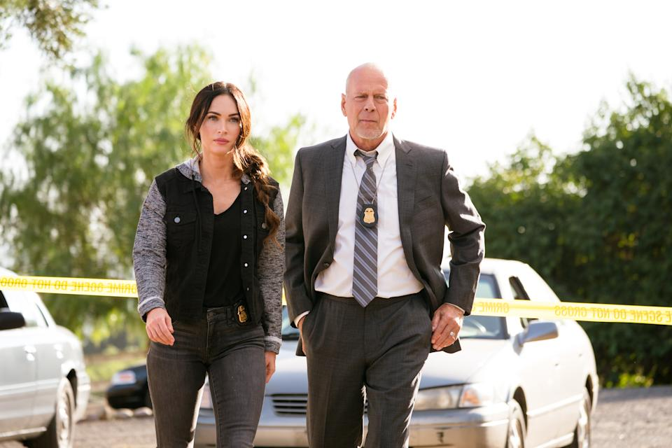 Fox and Bruce Willis in a scene from 'Midnight in the Switchgrass' (Photo: Courtesy of Lionsgate)